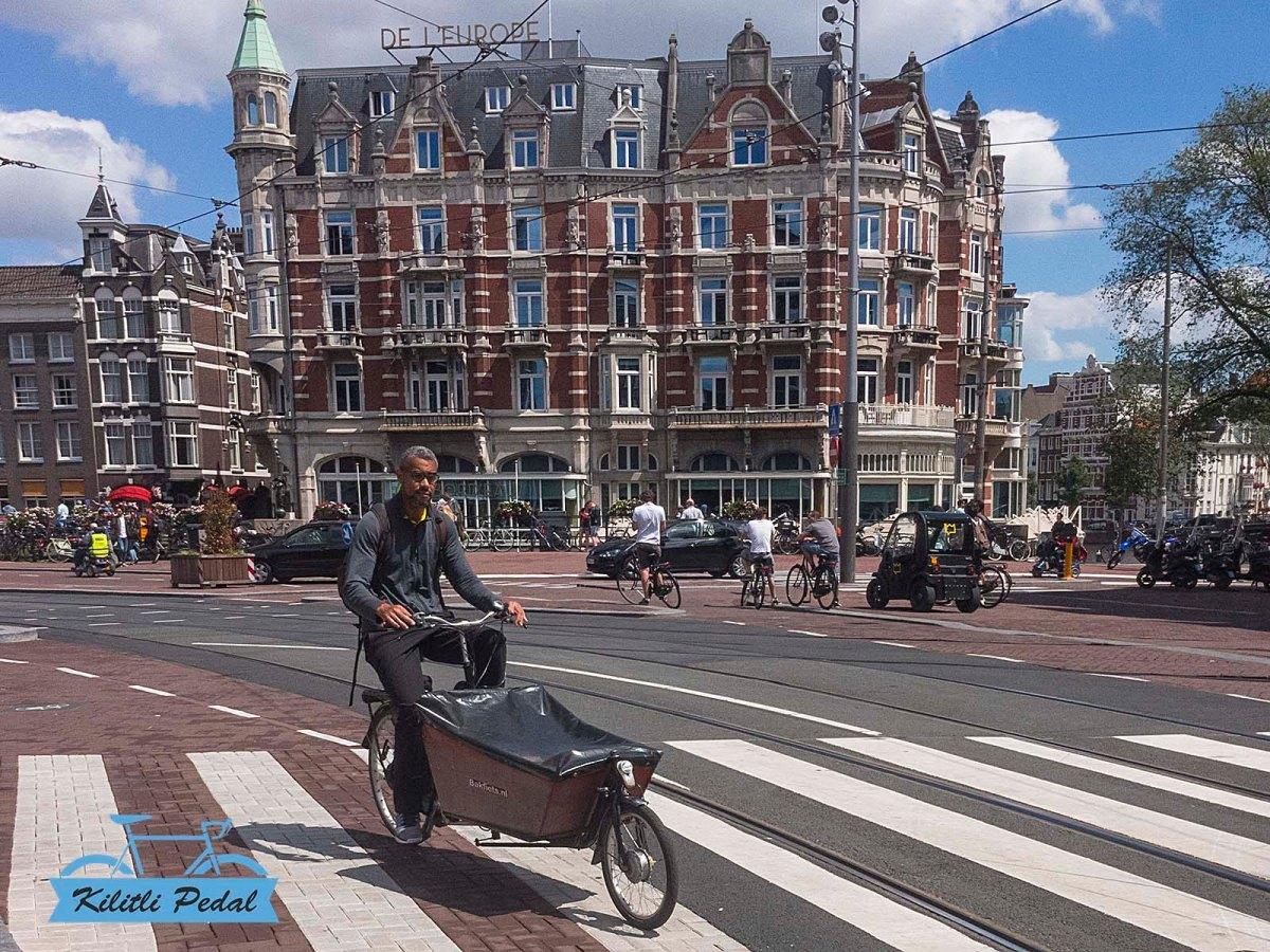 Rapha-Amsterdam-Store (27)